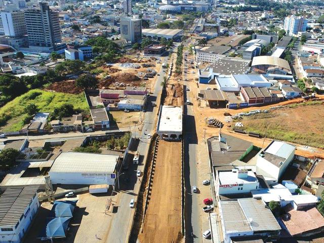 Viaduto da Brasil está em ritmo acelerado.